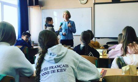 Mme Genetet, députée des Français à l'étranger, vient échanger à ADK